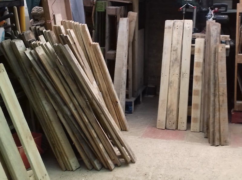 more pallet wood planks to be stored