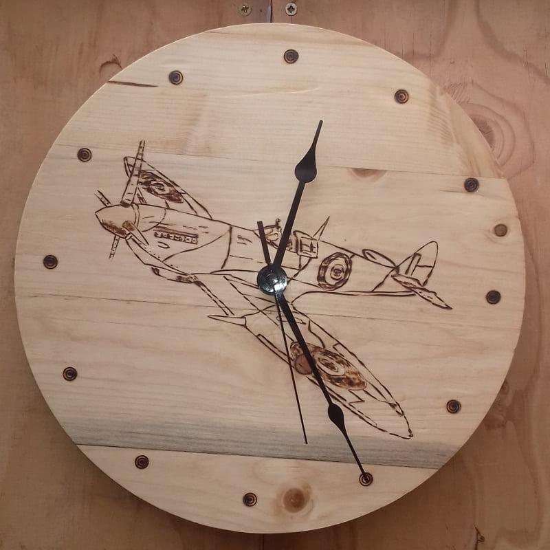 Pallet wood Spitfire clock