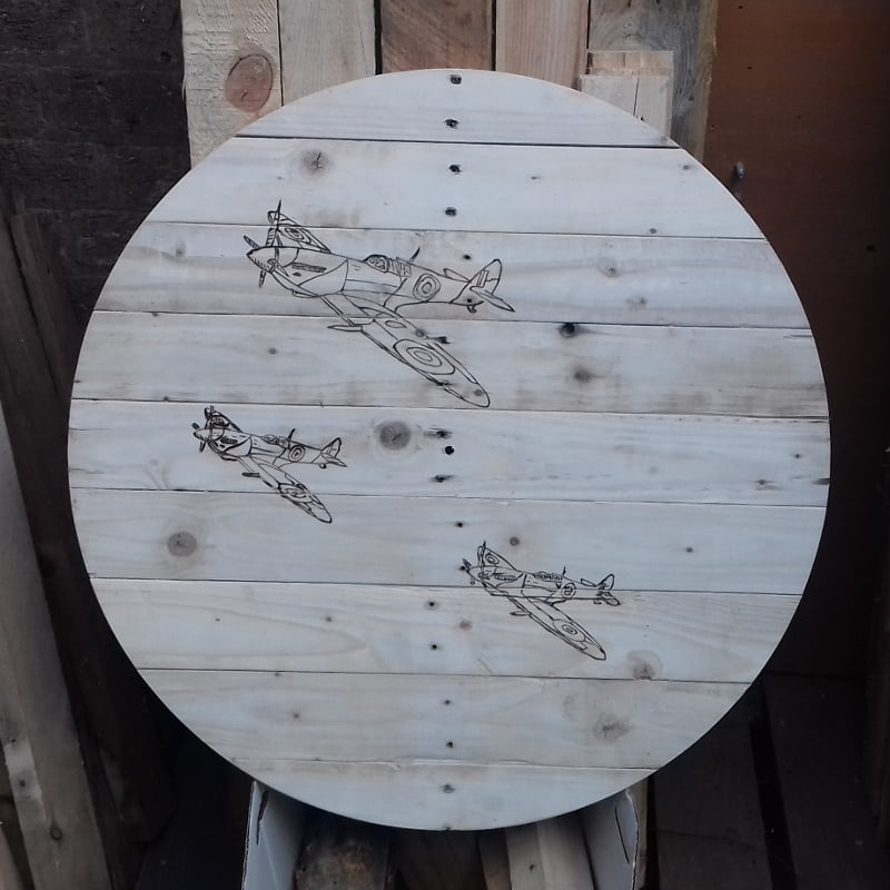 Palletwood Clock with Aeroplanes